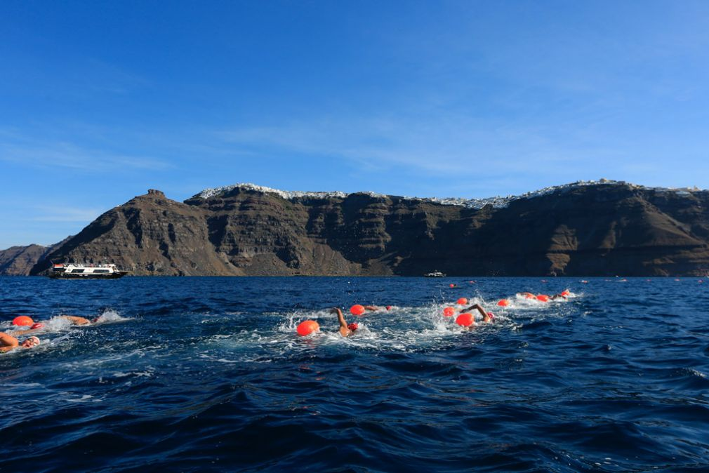 1 - Open Water Swimming by Vikos @ Santorini Experience (photo by Babis Giritziotis)