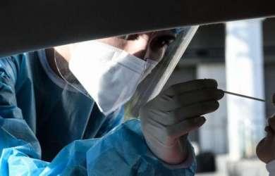 Κορονοϊός: Σοκάρουν οι 121 θάνατοι, μειώθηκαν αισθητά τα κρούσματα